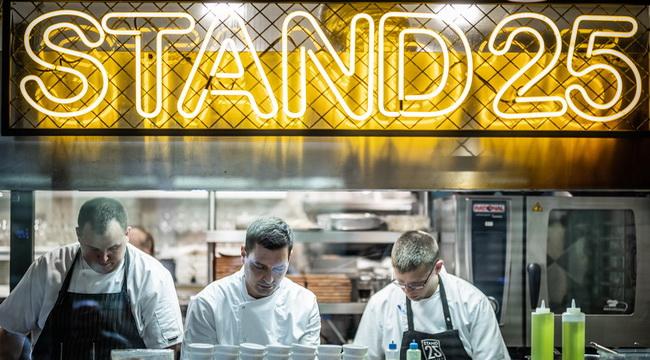 Költözik a Bib Gourmand díjas Stand25 étterem. Helyszín Info 2019.