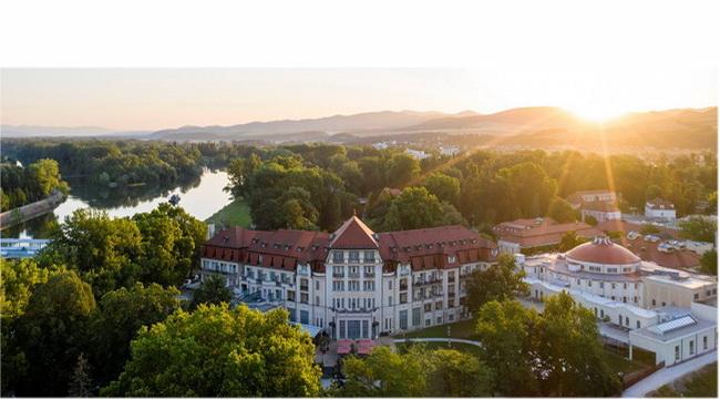 4 millió eurós fejlesztéssel hozott létre vadonatúj wellness és rekreációs központot Európa legnagyobb gyógyszálloda-vállalata, az ENSANA Pöstyén gyönyörű fürdőszigetén, a Thermal Palace Spa szállodában. Helyszín Info 2019.