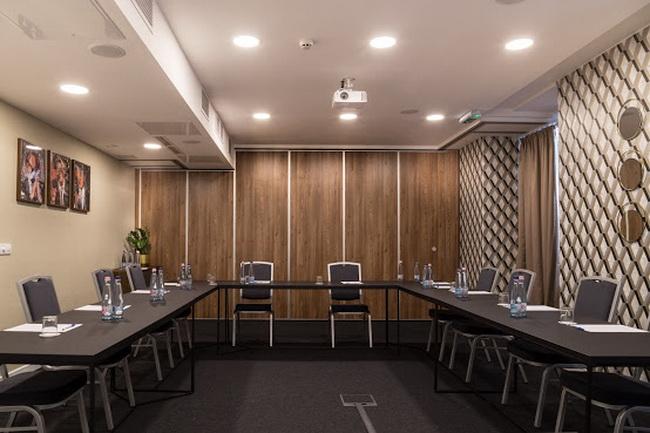 A Budapest Belvárosban lévő Hotel Memories**** szálloda konferenciaközpontja konferenciákra és tréningekre. Helyszín Info 2019.