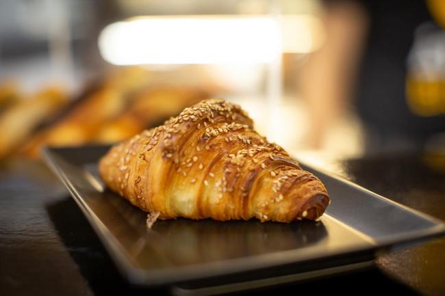 Freya croissant az Átrium Bisztróban. Helyszín Info 2020.